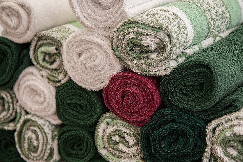 Clean your laundry with your own natural products